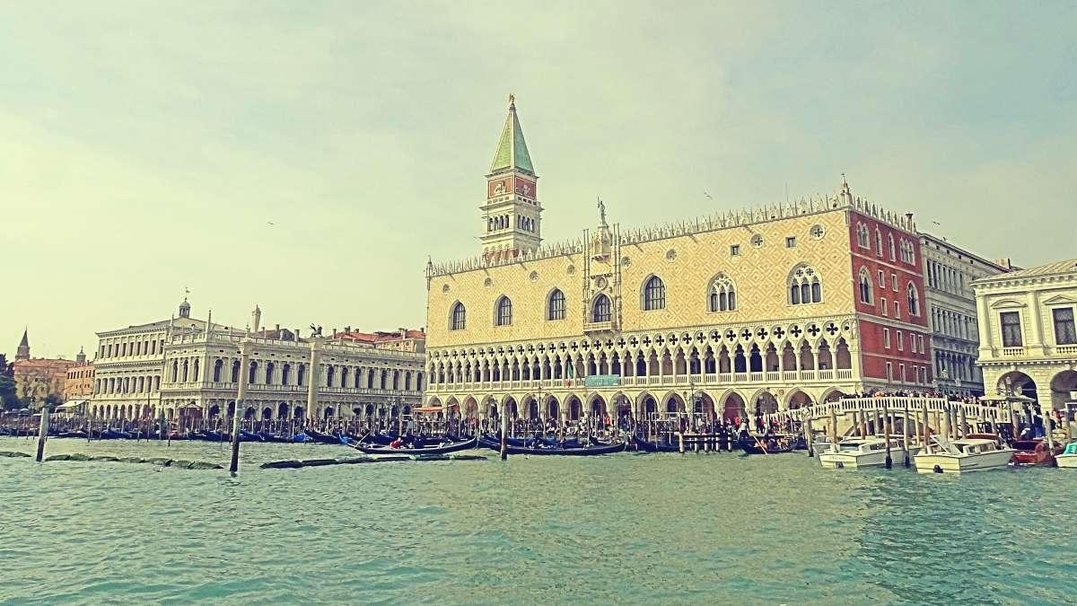 Ombre di Venezia|Gli urla di una città sono rumorosi 3