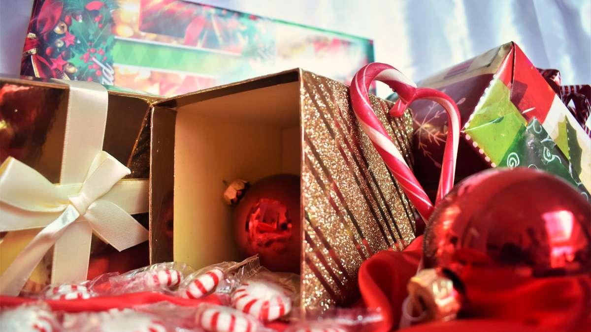 Idee per i regali di Natale, pubblicità online, rivista